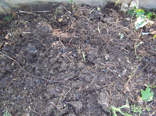 http://thegardeningcook.com/rolling-compost-pile-method-of-composting/