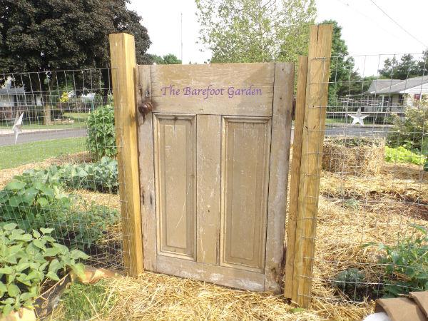 Diy Garden Gate The Barefoot Garden Magic Touch Amp Her